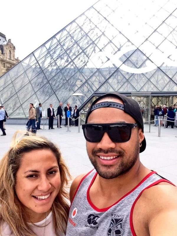 @lindahellesoe repping the Vodafone Warriors at the Musée du Louvre in Paris, Île-de-France