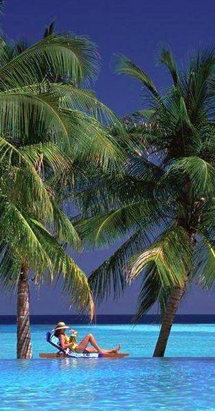 Sun Island Resort & Spa in the Maldives • photo: Villa Hotels