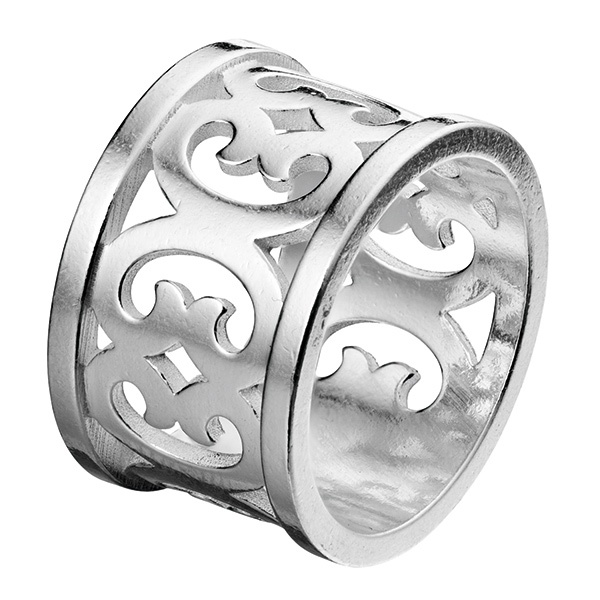 SISTERHOOD RING  Designer: Marja Suna Material: silver