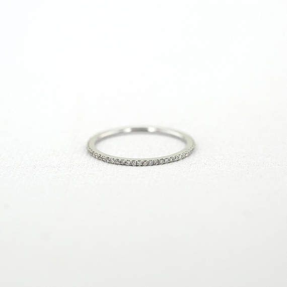 Micro Pave Diamant Ewigkeit Band in 14 k Weissgold / 10 MM