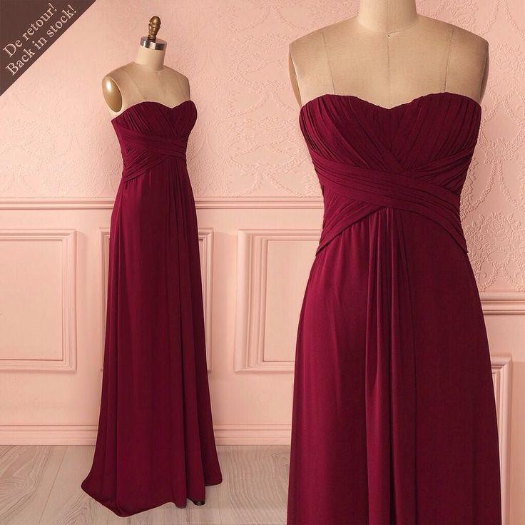 Maeja Burgundy est de retour   8 nouveautés ! Disponible au / Available on www.1861.ca Découvrez notre boutique soeur @lpgarconne / Discover our sister boutique Si un item vous plaît cliquez sur le lien dans le profil / If you love an item click the link in the profile #boutique1861  #promdress #bridesmaids  #partydress #mtl #mtlmoments #ootdcanada  #burgundydress #strapless