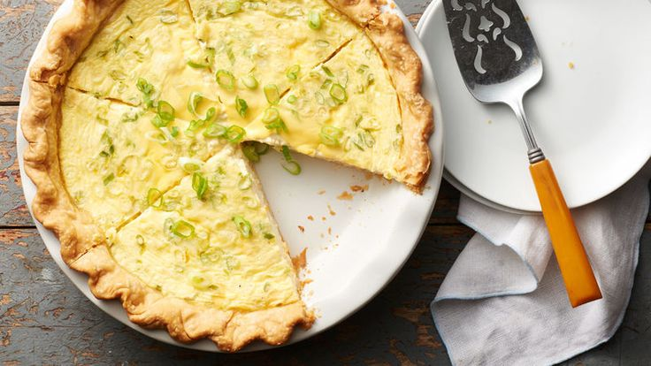 Stir up this creamy light quiche in just 15 minutes using Pillsbury™ refrigerated pie crust. Perfect for any meal time.