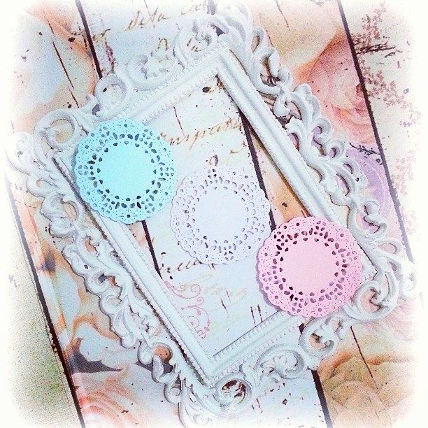 Mini French Pastry Paper Doily. 1 pack of 10pcs. Perfect for your card making, scrapbooking, cupcake toppers, and many more. by PaperCraftwithLove on Etsy