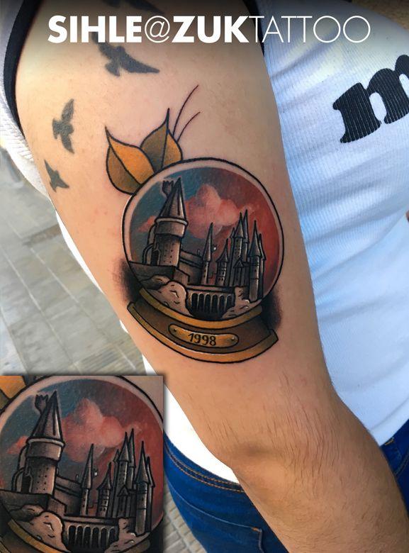 Tatuaje tradicional del castillo Hogwarts.