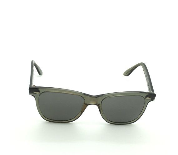 """American Optical Saratoga Sunglasses True Color Black JFK 1960s CN25T-49 Vintage Authentic American Optical Saratoga Sunglasses Inside arms read, """"True Color CN25T-49 Saratoga American Optical"""" Charcoal frame, Black lens 7 barrel hinge arms with Red dot screws Arms are tight"""