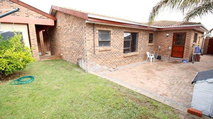 Neat as a pin! Spacious immaculate waiting for you to make it a home. Great space for the modern family. Lager enclosed swimming area with covered braai which allows for entertainment regardless of the outside weather. Modern tiling and laminated flooring in bedrooms adds to the neatness of this home.3 Bedrooms,  Study / Bedroom, 3 Bathrooms 2 Garages2 Parking Erf size: ±566 m², Building size: ±280 m² Rates