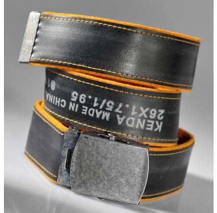 Bälte no 1, Reglerbart bälte, hand tillverkat av  cykelslang och yllefilt.