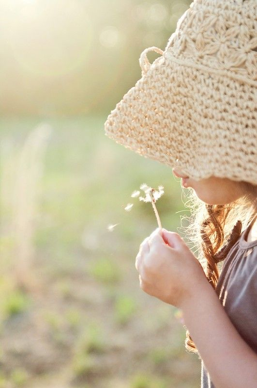 +Outdoor Pictures, Little Girls, Families Pictures, Knits Hats, Children Poses, Fashion Poses, Children Photography, Sun Hats, Photos Session