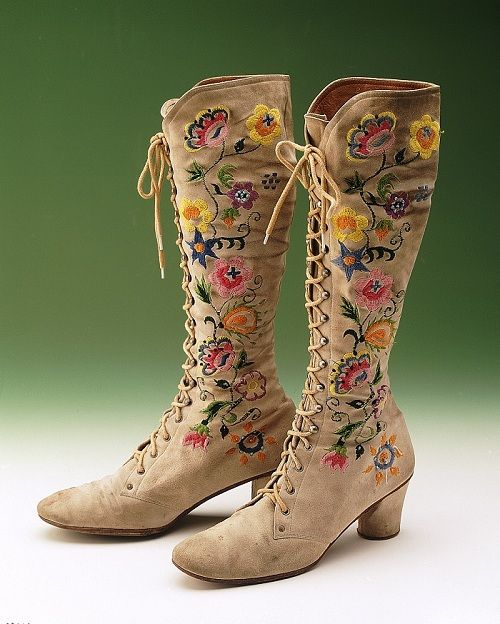 Embroidered boots Kurt Geiger Circa 1970  Get in my closet, hippie boots!