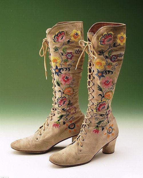 Embroidered boots Kurt Geiger Circa 1970  Get in my closet, hippie boots!
