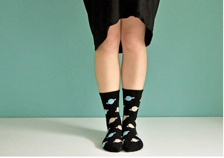 Vliegende marihuana 2015 hoge kwaliteit nieuwe stijl katoenen sokken voor liefhebbers van kleine monster patroon gebreide half buis sok cartoon sok in   Naam van het item:vrouwen korte toevallige sport sok cartoon sok houding Materiaal:katoen en spandex van Sokken op AliExpress.com | Alibaba Groep