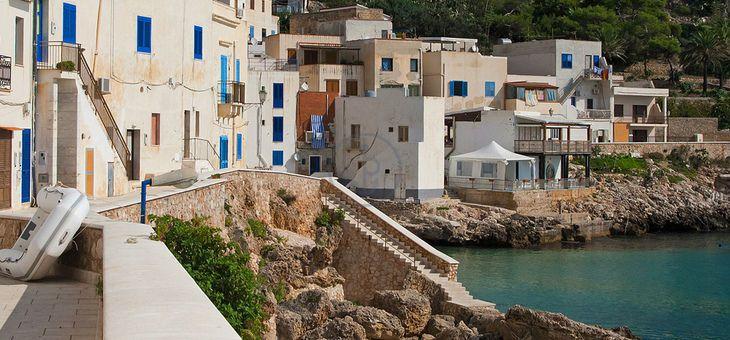 #Vacanze in barca Dufour 485 Grand Large da #Marsala. 4 Cabine, 4 Bagni, 8 Posti letto, Portata massima 10 persone. Prezzo: 250.00 € a persona (4 giorni)!