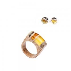 Set of jewellery Wood