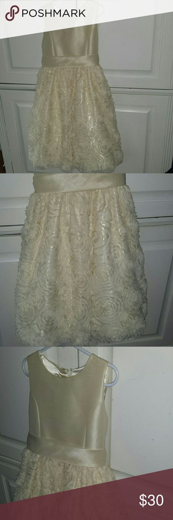 Gorgeous Easter/Special Occasion Dress Pale yellow special occasion little girls dress Raised flower skirt with pettiskirt for fullness  Sash waist that tied in back Perfect condition, daughter wore once for pictures  Brand: American Princess  Size: 8 American Princess Dresses Formal