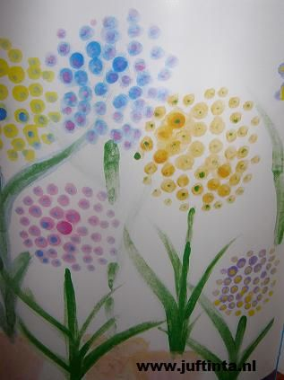 use q-tips - Spring flower art project.