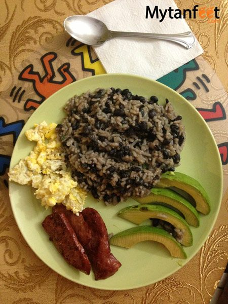 What to eat in Costa Rica - Gallo Pinto breakfast dish