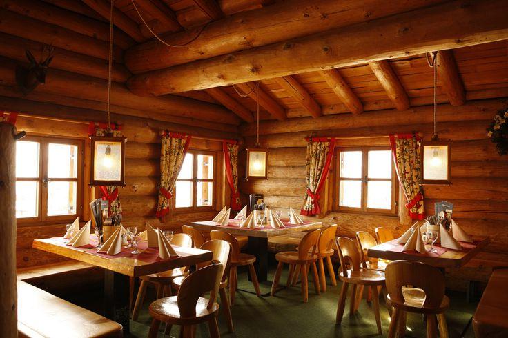 Valisera Hüsli - wer das Traditionelle liebt, ist im Valisera Hüsli genau richtig. In unserem urig – gemütlichen Bergrestaurant finden Sie eine vielseitige Auswahl an bekannten und traditionellen Gerichten aus Österreich und Vorarlberg. #silvrettamontafon #skiing #delicious #traditional #kulinarik