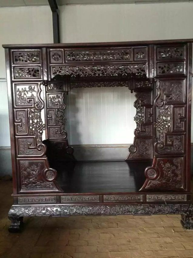 CHINESE ZITAN CANOPY BED : Lot 277