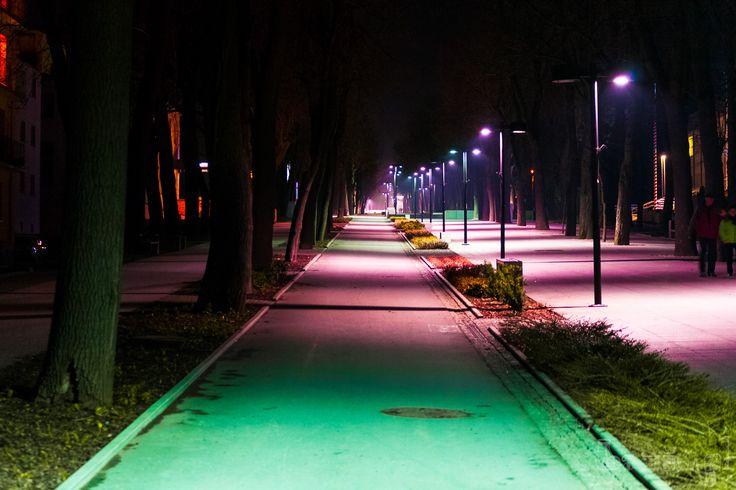 Nocna Fotografia Alei Mickiewicza w Busku - Zdroju.