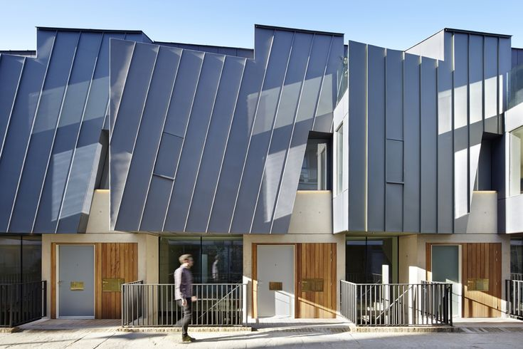 Godson Street is a Community Joint Venture project. The three partner groups, led by Jake Edgley (director of Edgley Design), Chris Joannou (CKS partnership) and James Engel (director of Spaced Out Architecture) were neighbours of the vacant site, and