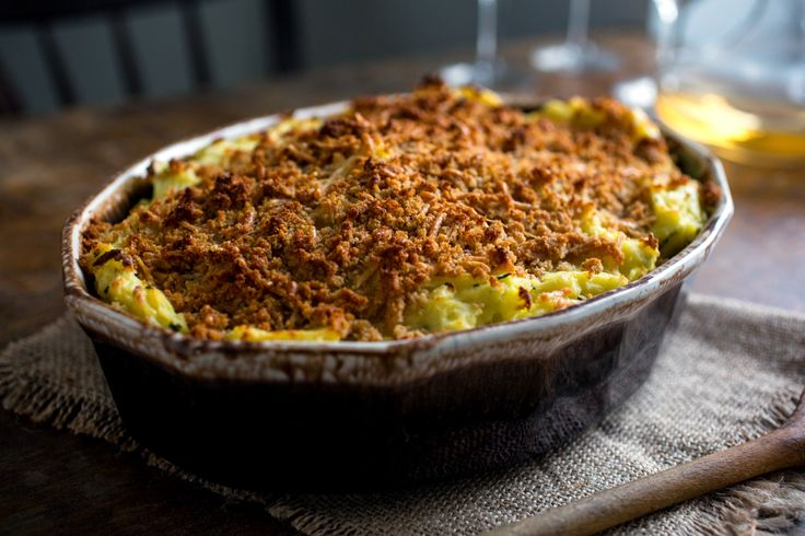 Mashed potato casserole with sour cream and chives. Photo: Andrew Scrivani for The New York Times