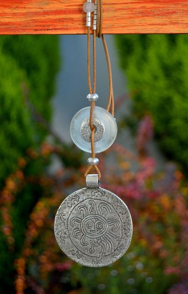 Colgante medallón gigante sol azteca de Doce Cuentas por DaWanda.com