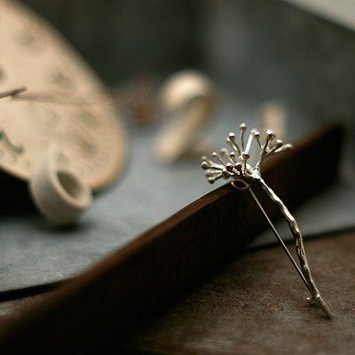 nakamura nazuki   kasumiso brooch