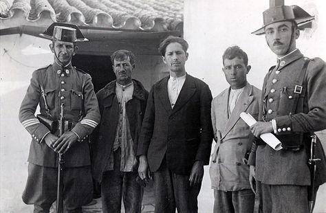 Detenidos en Casas Viejas. Foto: Campúa (José Demaría Vázquez)