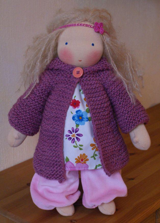 Puppen - Anleitung für Puppen-Kapuzenstrickmantel Winka - ein Designerstück von Mariengold bei DaWanda