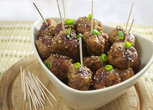 Tsukune (Japanese teriyaki chicken meatballs)