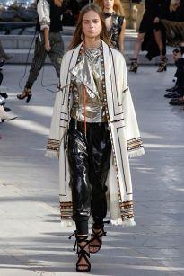 90-е в моде: гранж, готика, мужской стиль, платья-комбинации, наряды школьницы | VOGUE