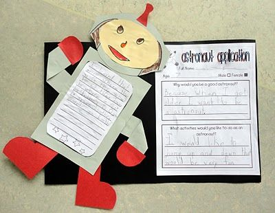 Astronaut Application for Exploring Space with an Astronaut in unit 1