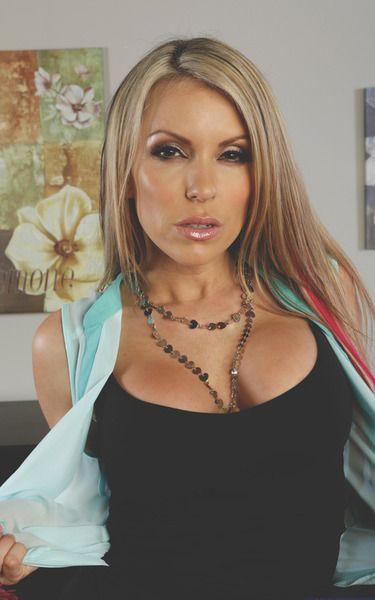 Courtney cummz older | Porn photos)