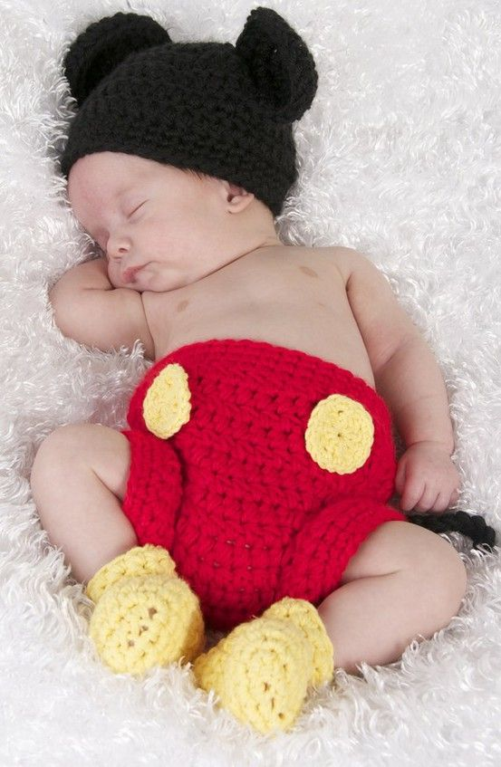 mickey mouse crochet--This makes want another Baby Just to do this, lol!