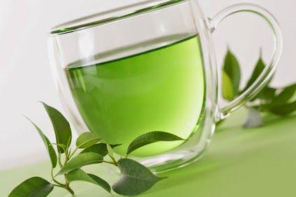 Té verde: El té verde es un antioxidante natural con muchísimas propiedades; entre ellas esta acelerar el metabolismo, con lo cuál nos ayudará a perder peso, y a no ganarlo, también previene el cáncer, combate la migraña, previene las ulceras, depura nuestro organismo, ayuda a una mejor circulación sanguínea, y tiene propiedades antienvejecimiento.