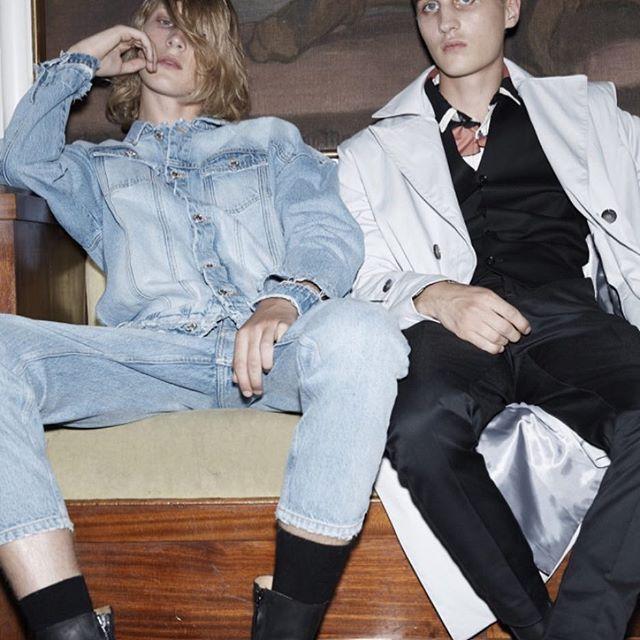 Boyz hangout! Won Hundred backstage #wonhundred #WHbackstage #SS17 #WHshow #WHeveryday  Models: @vic.co and @villesydfors Photo: @themisspopo Styling: @oliverfussing Hair: @cimmahony Makeup @rikkedengsoe