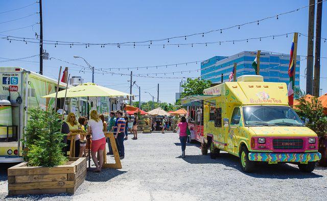 Chow on Wheels: Atlanta Food Trucks: Atlanta Food Truck Park