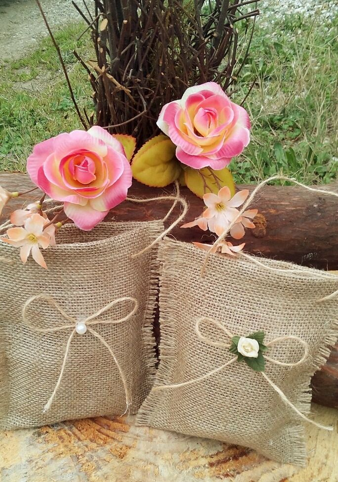 Handmade Burlap Wedding Favor Bags - Set of 20      Perfect for your rustic wedding. Burlap has unlimited uses to enhance your wedding.      Burlap is a durable, rustic fabric which adds character and elegance to your rustic themed wedding.    Todays brides are taking the rustic flair and making it elegant, chic and reflective of their personal style.    Our favours are the perfect option, a must have if you wish to make an impression on your wedding guests as a mementos of your special day…