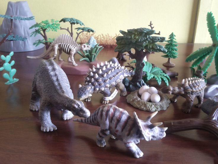 La segunda parte de mi coleccion de dinosaurios Schleich, espero sea de su agrado y puedan compartir conmigo esta pequeña aventura.