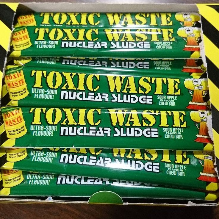 Now in Stock... Toxic waste chew bars in 3 flavours: apple . Cherry  and Raspberry  http://ift.tt/2oBecju  #sweets #candy #sweeetshop #candystore #taunton #somerset #gifts #chocolate #retro #vintage #oldfashioned #sour #fizzy #cherry #apple #raspberry