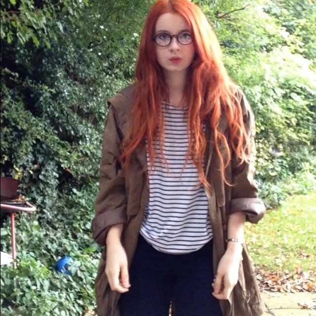 Pin for Later: 18 Last-Minute Costumes For Anyone Obsessed With the Internet Amy Pond From Doctor Who What you need: Round glasses, temporary red hair dye, and a strong pout. Source: Instagram user haylzzsmith