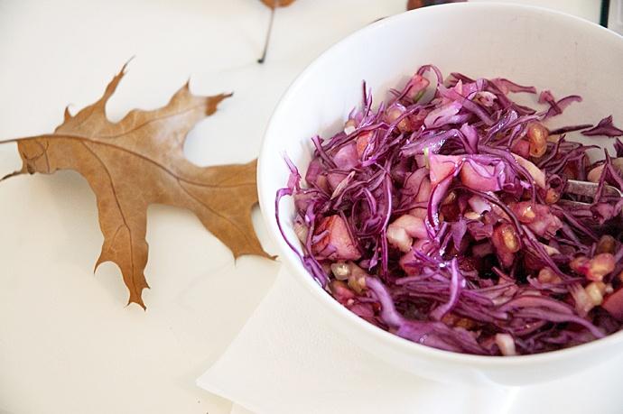 Salat med rødkål og æbler - opskrift på sund vintersalat