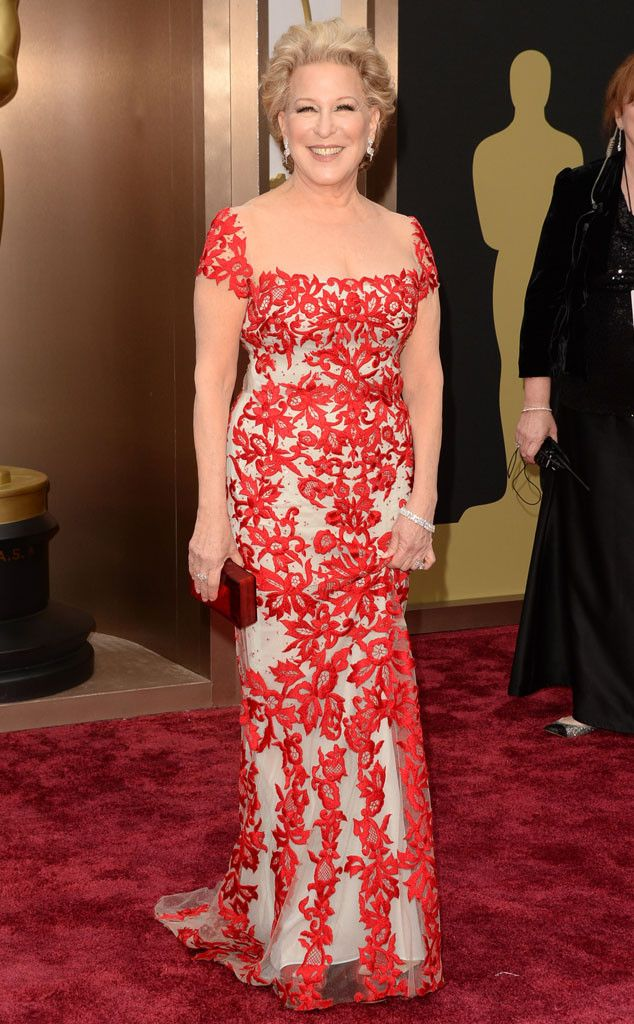 Bette Midler knocks it out of the park in this Reem Acra stunner!