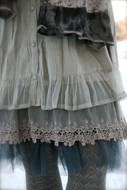 Skirt in Layers of gauze, lace and grays @ Dorotheas-eventyr