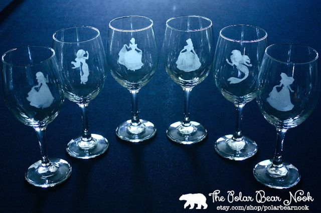 The perfect bridesmaid package for a Disney wedding. #Bridesmaid #Weddings #ThePolarBearNook
