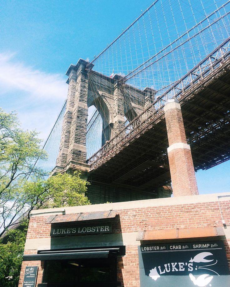 """206 Likes, 6 Comments - Masha V. (@masha_vy) on Instagram: """"Переезжать Бруклинский мост на велосипеде - то ещё удовольствие. Едешь и думаешь """"только бы не…"""""""