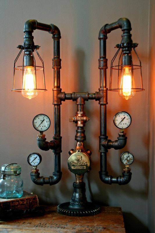 This lamp light captures an almost haunting Steampunk feel. Very nicely done!