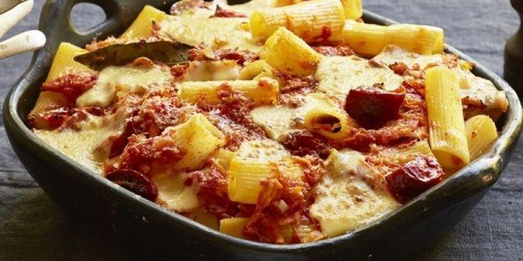 Ριγκατόνι με σαλάμι και τυριά στο φούρνο