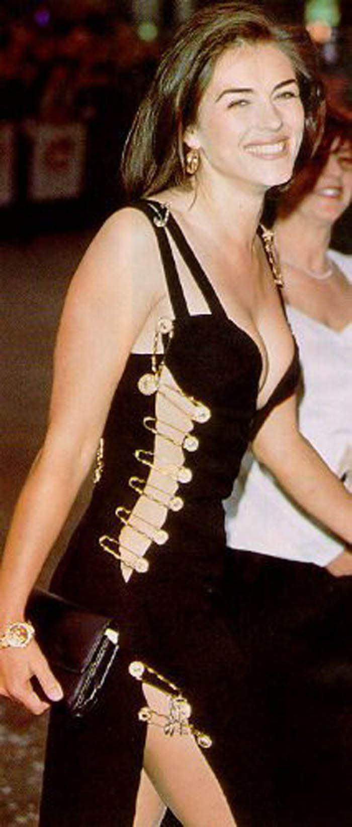 Liz hurley versace dress - More Safety Pins X Boobs X Legs X 90s Pin Terestversace Dresssafety Pinselizabeth Hurleylegs