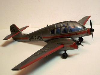 AERO 45 by VEB Plasticart. Details: http://pufiland.weebly.com/planes.html